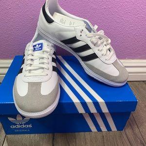 Brand new Adidas white/grey tennis shoes